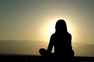 【ストレス解消】身近で異世界体験!坐禅や阿字観による瞑想が効果的
